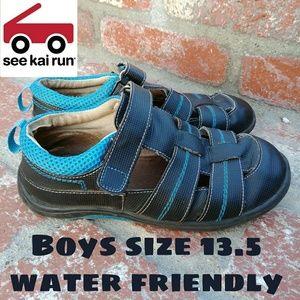 See Kai Run Boys water friendly sz 13.5